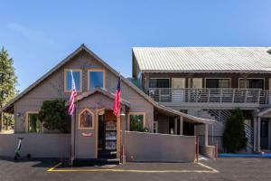 Econo Lodge Inn & Suites, Hotely  South Lake Tahoe - big - 1