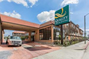Quality Inn & Suites At the Bi..