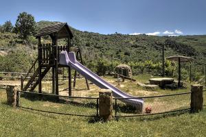 Chozos Rurales El Solitario, Case di campagna  Baños de Montemayor - big - 24