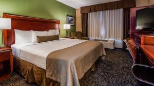 ESTIA Hotel & Suites Glenview