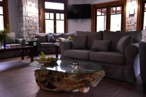 ZAROUCHLA INN Achaia Greece