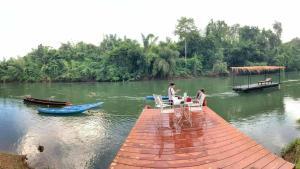 Suan Ruen Rom view raft - Hin Dat