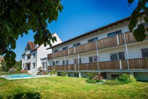 Hotel-Pension Seitz - Burgoberbach