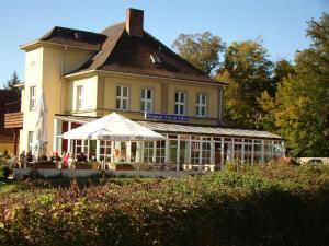 Cafe Restaurant & Hotel am Schloss - Burgebrach