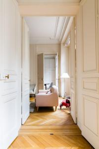 Rue de Courcelles IV by Onefinestay