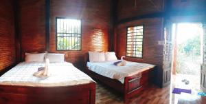 Cat Tien Farmer Lodge