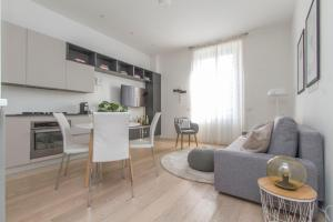 Luxury and spacious apartment (Bocconi)