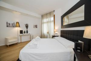 Alinari Boutique Apartments - AbcAlberghi.com