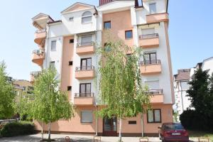 Apartments Kuzmanoski - Трпейца
