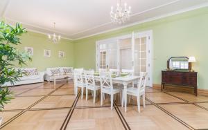 Apartamenty w Pałacu Pod Baranami