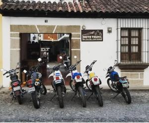 BIKERS LODGE - San Cristóbal El Bajo