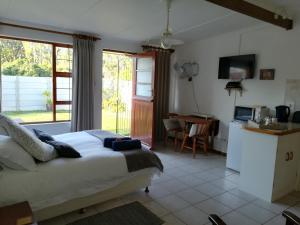 Apartment in Heather Park, Ferienwohnungen  George - big - 36