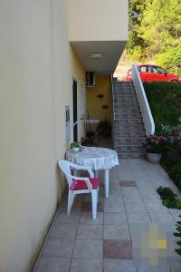 Studio Apartment in Preko with Sea View, Terrace, Air Conditioning, Wi-Fi (4574-2)