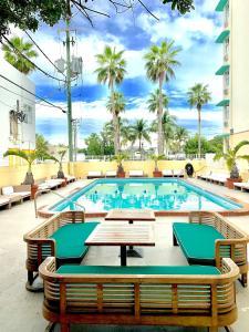 Broadmore Miami Beach