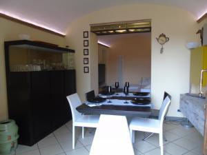 Hs4U Baroncelli Luxury Design apt with garden - AbcAlberghi.com