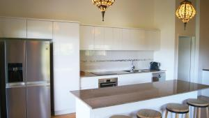 Cumberland Holiday Home - Holiday Home, Holiday homes  Airlie Beach - big - 13