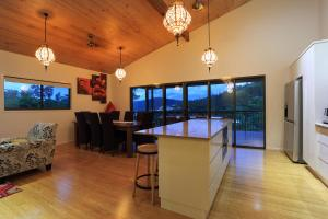 Cumberland Holiday Home - Holiday Home, Holiday homes  Airlie Beach - big - 16