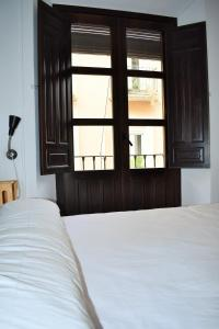 Double or Twin Room with Shared Bathroom Pension Castil