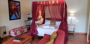 Lake Naverone Holiday Cottages, Resorts  Drakensberg Garden - big - 91