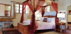 Lake Naverone Holiday Cottages, Resorts  Drakensberg Garden - big - 94