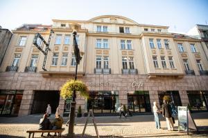 Bristol Residence