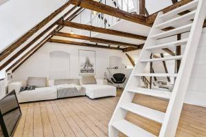 obrázek - A luxurious 2 storey penthouse apt
