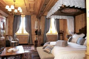Les Violettes Hotel Spa In Jungholtz Alsace