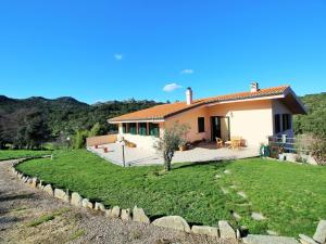 Villa tra mare e montagna - AbcAlberghi.com