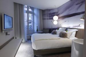 Le Grand Balcon Hotel (2 of 35)