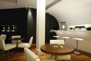 Le Grand Balcon Hotel (1 of 35)