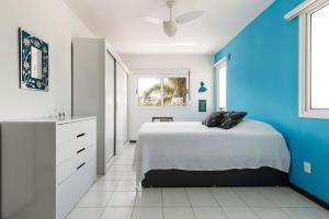 Apartamento no Novo Campeche, completo, luminoso, a 50 m da praia