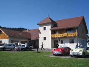Location gîte, chambres d'hotes La Tour du Coq Doré dans le département Doubs 25