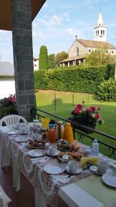 B&B Dora, Bed and Breakfasts  Colloredo di Monte Albano - big - 29