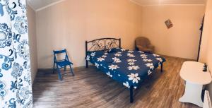 Комната с двухспальной кроватью возле м Осокорки