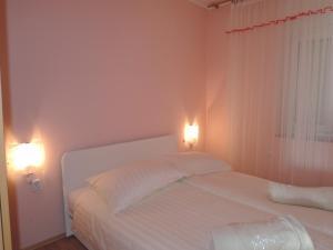 One-Bedroom Apartment in Rijeka I, Apartmány  Turan - big - 22