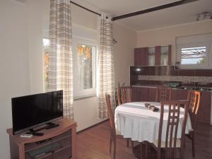 One-Bedroom Apartment in Rijeka I, Apartmány  Turan - big - 15