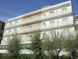 Hotel Granada, Отели  Милано-Мариттима - big - 32