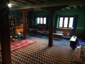 Auberges de jeunesse - Authentic Homestay at Copper Artisan\'s village