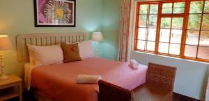 Lake Naverone Holiday Cottages, Resorts  Drakensberg Garden - big - 96
