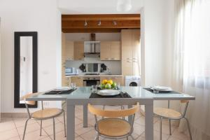 LUXURY MODERN APARTMENT WITH PRIVATE PARKING - AbcAlberghi.com