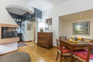 Albani Deluxe || The Place Apartments - AbcAlberghi.com