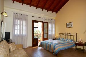 Double Room Iapetos Village