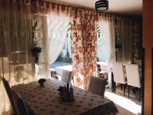 Villa Chesa, Hotely  Corunca - big - 21