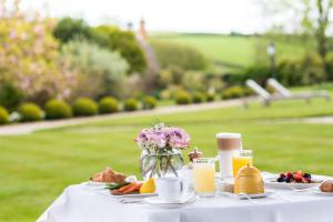 Summer Lodge Country House Hotel & Spa (10 of 107)