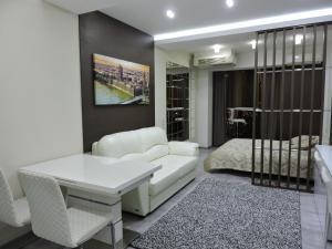Apartment Versal on Nesebrskaya 14 - Sochi