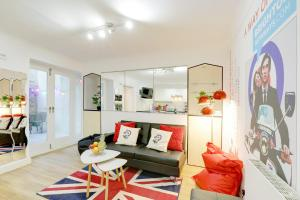 Seaside Patio Apartment - Metres from Brighton Seafront - Sleeps 2 to 8 guests - Brighton & Hove