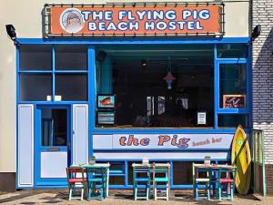 The Flying Pig Beach, Youth Hostel (Ages 18 to 40)