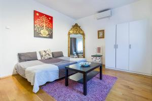 Mohinga Apartment