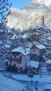 Location gîte, chambres d'hotes Gîte Auberge Les Terres Blanches de Méolans dans le département Alpes de haute provence 4
