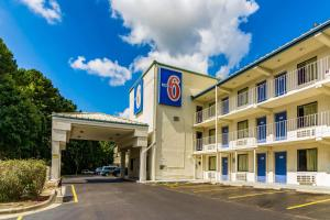 Motel 6-Raleigh, NC - Cary